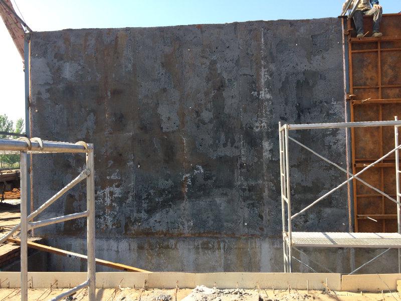 轻质混凝土拆模板墙体完成施工