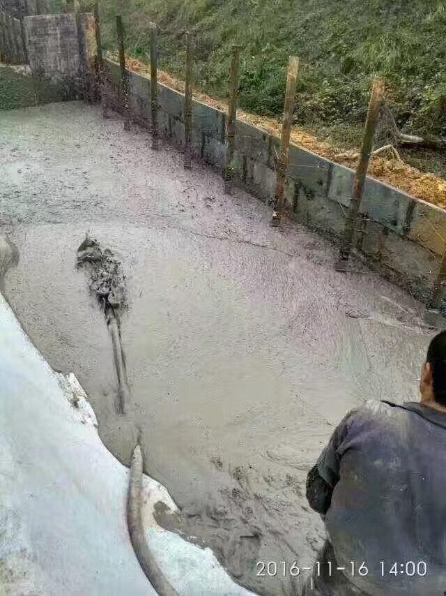 轻质混凝土填充道路