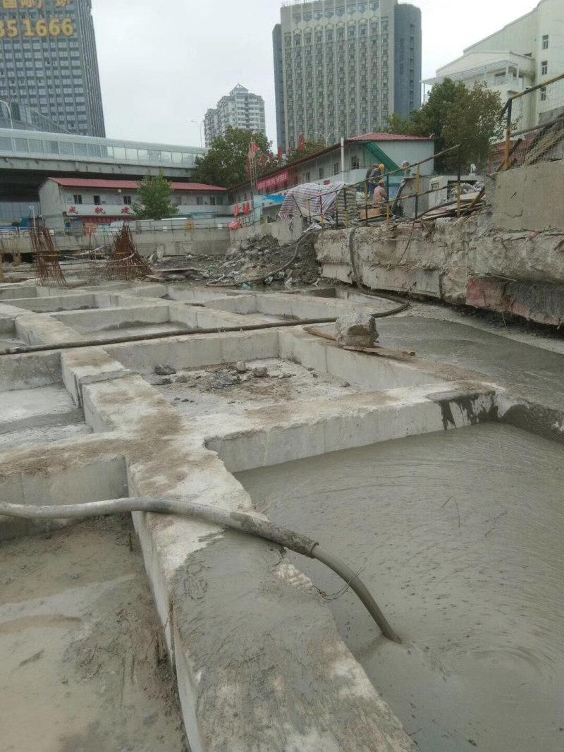 轻质混凝土现浇地铁站地面